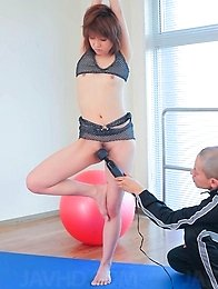 Rei Sasaki Asian gymnast gets finger in slit and vibrator on it